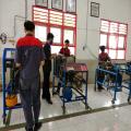 Praket engine stand